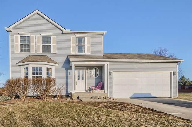 9491 Pere Marquette Dr, Grand Blanc, MI 48439 (MLS #2210014667) :: The BRAND Real Estate