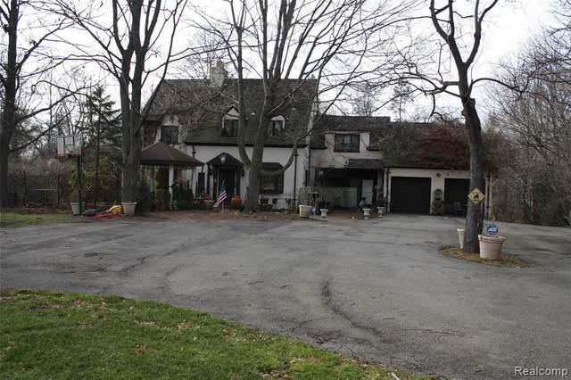 31325 Lahser Rd, Beverly Hills, MI 48025 (MLS #2210018411) :: Kelder Real Estate Group