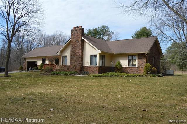 12813 Twyla Ln, Hartland, MI 48353 (MLS #2210019536) :: The BRAND Real Estate