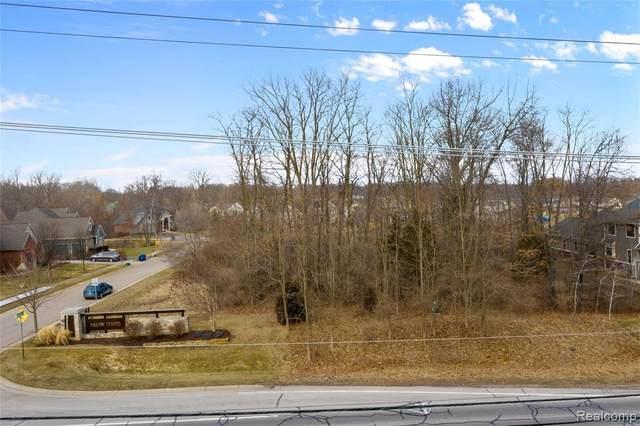 508 Woodstone Crt, White Lake, MI 48386 (MLS #2210015775) :: The BRAND Real Estate