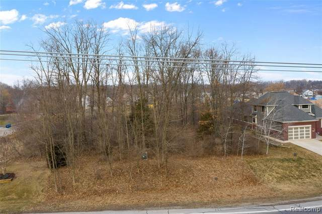 0000 Oxbow Lake Rd, White Lake, MI 48386 (MLS #2210015787) :: The BRAND Real Estate