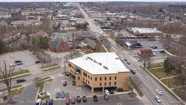 804 N Main St # 2E, Rochester, MI 48307 (MLS #2210019889) :: The Tom Lipinski Team at Keller Williams Lakeside Market Center