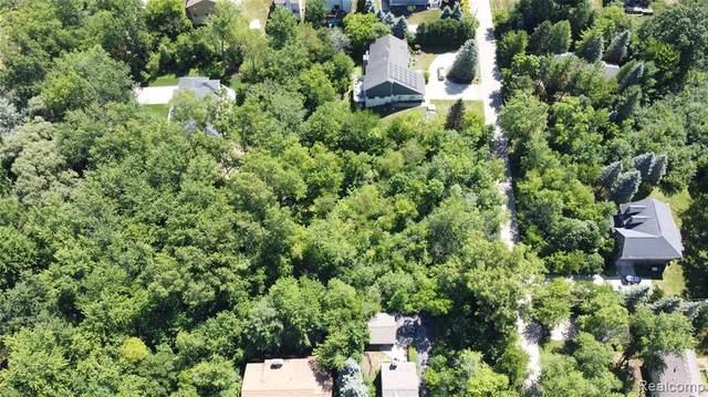 00 Blue Jay Way, West Bloomfield, MI 48322 (MLS #2210022262) :: Kelder Real Estate Group