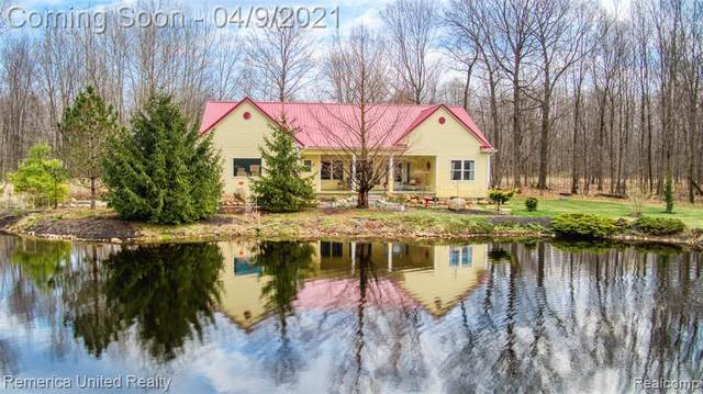 7245 W Coonlake Rd, Howell, MI 48843 (MLS #2210023187) :: The BRAND Real Estate