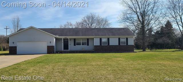 10392 Winsted Ln, Brighton, MI 48114 (MLS #2210024056) :: The BRAND Real Estate