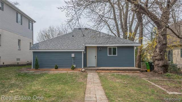 6144 Fonda Lake Dr, Brighton, MI 48116 (MLS #2210024182) :: The BRAND Real Estate