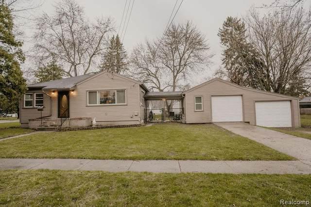 412 6TH ST, Fenton, MI 48430 (MLS #2210024280) :: The BRAND Real Estate