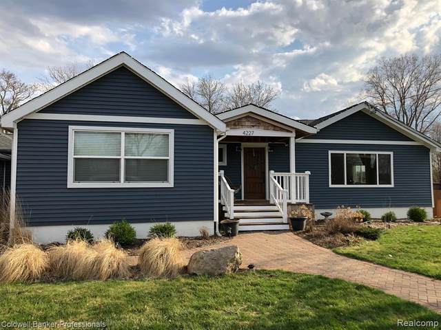 4227 Grand Blanc Rd, Swartz Creek, MI 48473 (MLS #2210024270) :: The BRAND Real Estate