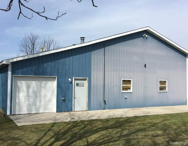 803 Lansing St, Chesaning, MI 48616 (MLS #2210020595) :: The BRAND Real Estate