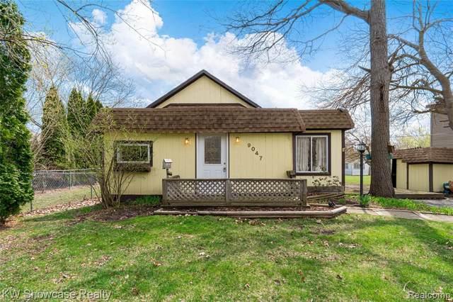 9047 Oakwood St, White Lake, MI 48386 (MLS #2210024525) :: The BRAND Real Estate