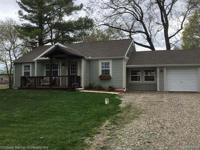 1415 W Rose Center Rd, Holly, MI 48442 (MLS #2210025636) :: The BRAND Real Estate