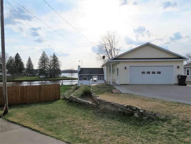 284 Washington Dr, Michigan Center, MI 49254 (MLS #202100955) :: The BRAND Real Estate