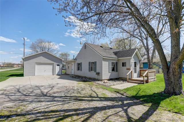 4296 N Genesee Rd, Flint, MI 48506 (MLS #2210025762) :: The BRAND Real Estate