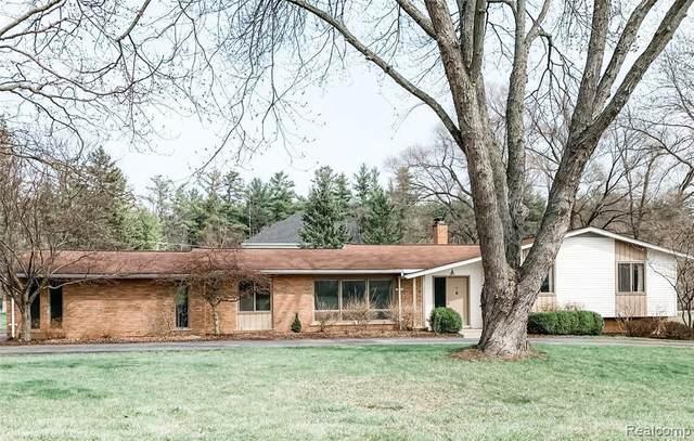 5739 Kennebunk Dr, Rochester, MI 48306 (MLS #2210026105) :: The BRAND Real Estate