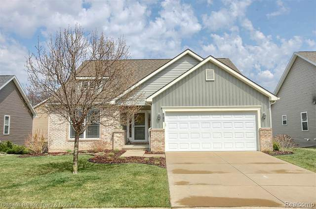 2610 Willowcrest Cir, Howell, MI 48843 (MLS #2210025558) :: The BRAND Real Estate