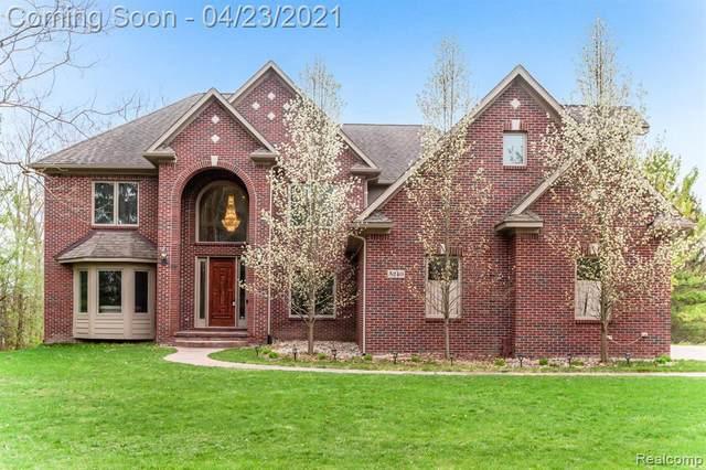 5240 Warwick Woods Trl, Grand Blanc, MI 48439 (MLS #2210026346) :: The BRAND Real Estate