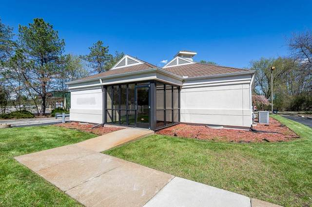 2005 S Jackson Rd, Jackson, MI 49201 (MLS #202100972) :: The BRAND Real Estate
