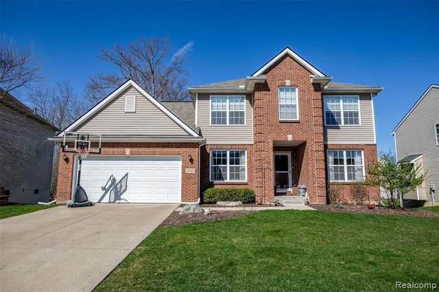 3762 Whirlaway Ln, Howell, MI 48843 (MLS #2210026400) :: The BRAND Real Estate
