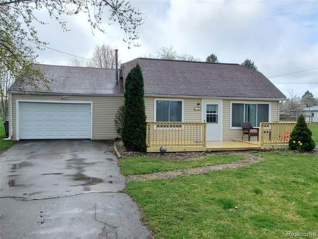3296 E Maple Ave, Grand Blanc, MI 48507 (MLS #2210020211) :: The BRAND Real Estate