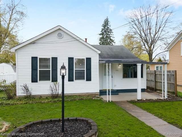 410 S Pine St, Fenton, MI 48430 (MLS #2210026392) :: The BRAND Real Estate