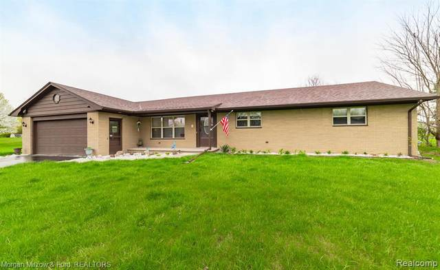 7168 Miller Rd, Swartz Creek, MI 48473 (MLS #2210026544) :: The BRAND Real Estate