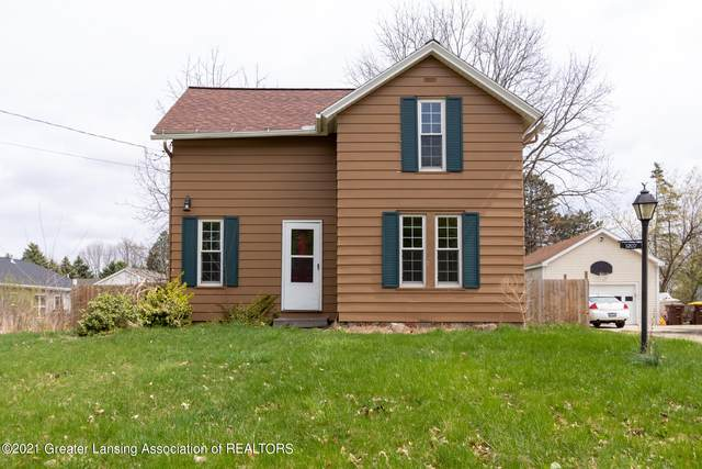 1207 S Oakland Street, Saint Johns, MI 48879 (MLS #254584) :: The BRAND Real Estate