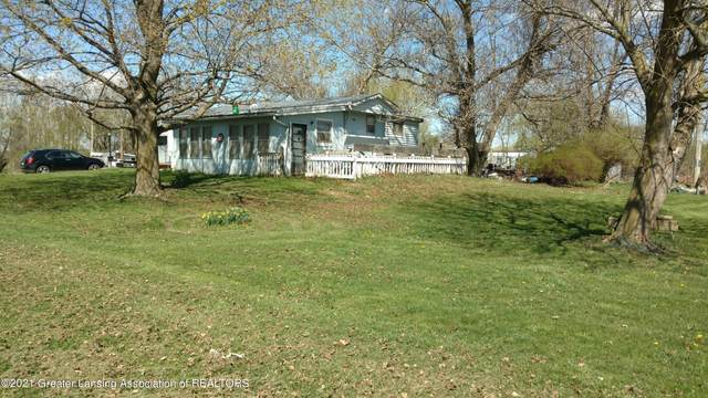 4445 E Spicerville Highway, Eaton Rapids, MI 48827 (MLS #254594) :: The BRAND Real Estate