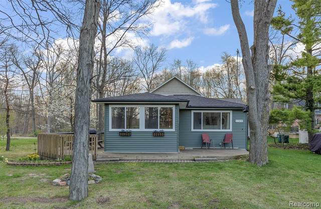 1149 Nelson Avenue, Lapeer, MI 48446 (MLS #2210027315) :: The BRAND Real Estate