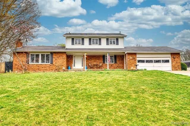 1161 Briar Hill Dr, Lapeer, MI 48446 (MLS #2210027698) :: The BRAND Real Estate