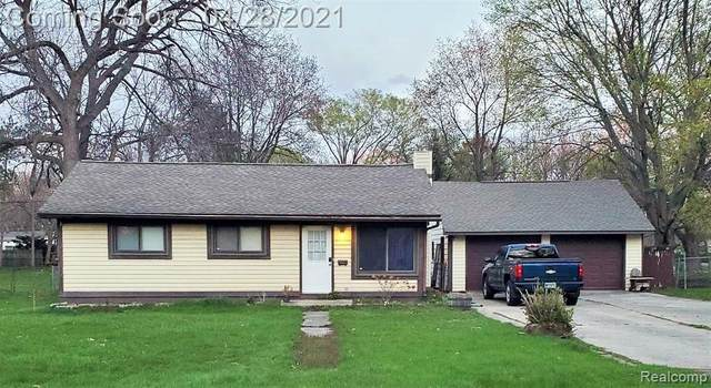3362 Loon Lake Shores Rd, Waterford, MI 48329 (MLS #2210028017) :: The BRAND Real Estate