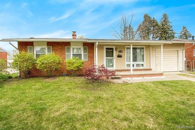 33736 Pawnee St, Westland, MI 48185 (MLS #2210027222) :: The BRAND Real Estate