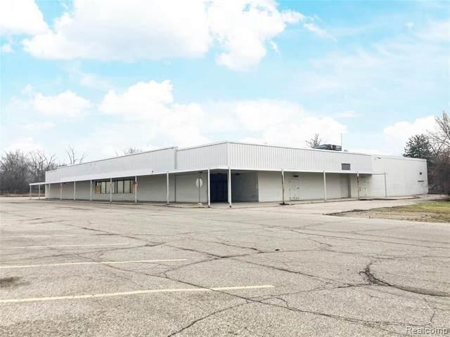 5125 Fenton Rd, Grand Blanc, MI 48507 (MLS #2210028425) :: The BRAND Real Estate