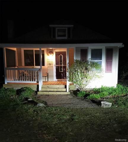 3747 Navarra Ave, White Lake, MI 48383 (MLS #2210027473) :: Kelder Real Estate Group