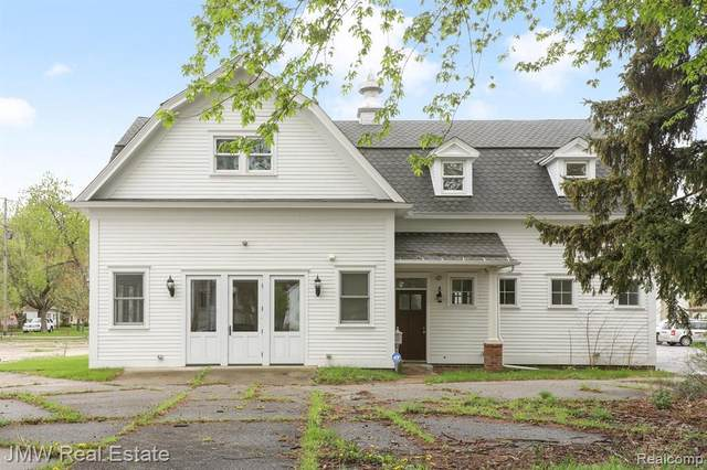 1908 Pearl, Chesaning, MI 48616 (MLS #2210031640) :: The BRAND Real Estate
