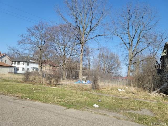 4404 Carlton St, Flint, MI 48505 (MLS #2210032432) :: The BRAND Real Estate