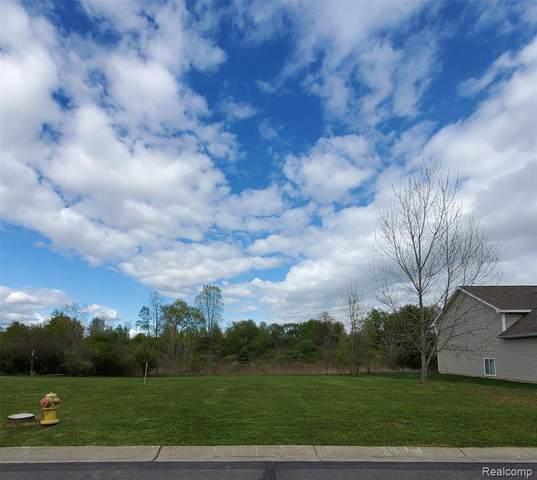 2060 Stillwater Dr, Davison, MI 48423 (MLS #2210032715) :: Kelder Real Estate Group