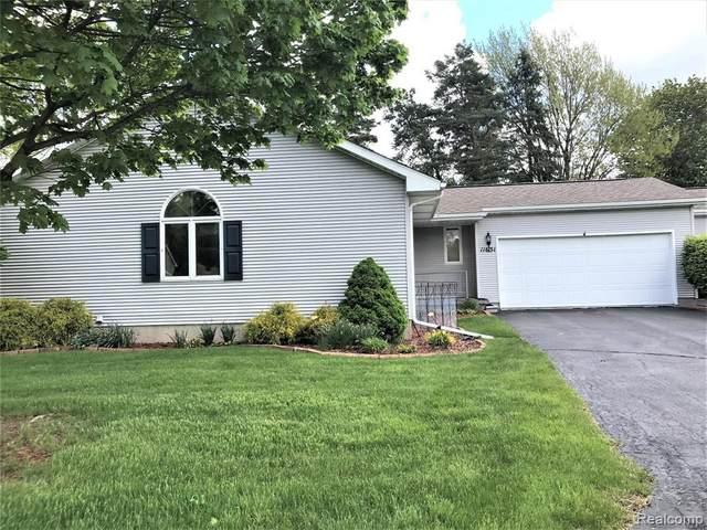 11631 Hawthorne Glen Dr, Grand Blanc, MI 48439 (MLS #2210033458) :: The BRAND Real Estate