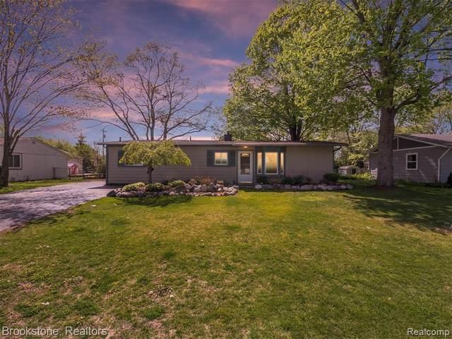 3726 Coleport St, Lake Orion, MI 48359 (MLS #2210034157) :: The BRAND Real Estate