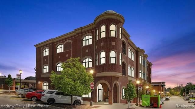 335 E Cady St, Northville, MI 48167 (MLS #2210033657) :: The BRAND Real Estate