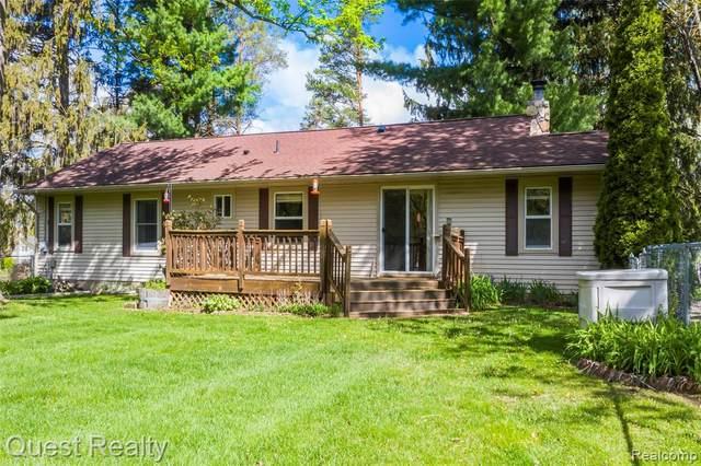735 Casemer Rd, Lake Orion, MI 48360 (MLS #2210034572) :: The BRAND Real Estate