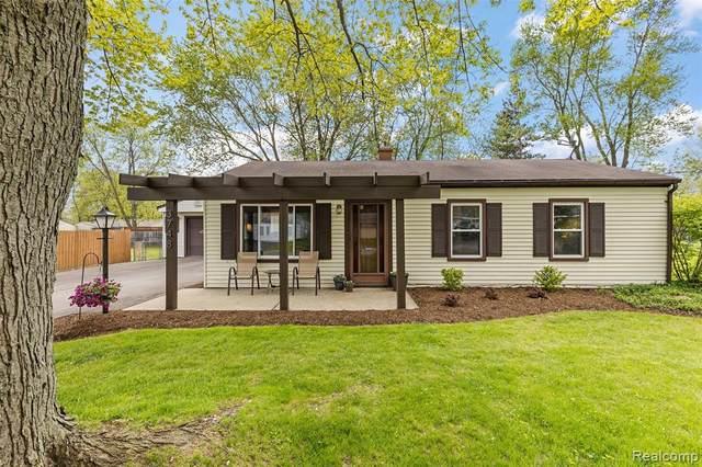 3748 Minton Rd, Lake Orion, MI 48359 (MLS #2210034746) :: The BRAND Real Estate