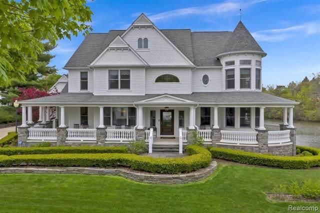 412 Horton St, Northville, MI 48167 (MLS #2210032129) :: The BRAND Real Estate