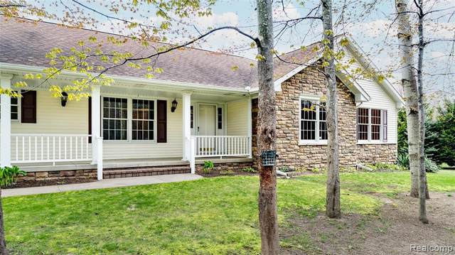7159 Sunset Dr, Lexington, MI 48450 (MLS #2210035093) :: The BRAND Real Estate