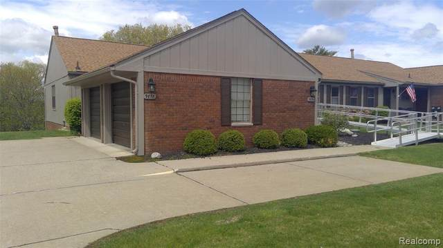 9878 Cambridge Crt Unit#4-Bldg#121, South Lyon, MI 48178 (MLS #2210035090) :: The BRAND Real Estate