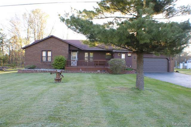 9438 Linden Rd, Swartz Creek, MI 48473 (MLS #2210035195) :: The BRAND Real Estate