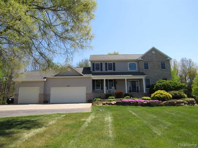 17341 Timber Crk, Holly, MI 48442 (MLS #2210035462) :: The BRAND Real Estate