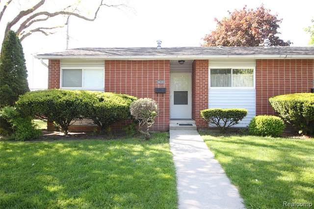 18030 Martin Rd, Roseville, MI 48066 (MLS #2210035255) :: The BRAND Real Estate