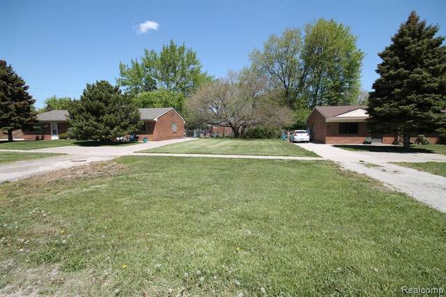 20175 14 MILE RD, Clinton Township, MI 48035 (MLS #2210035528) :: The BRAND Real Estate