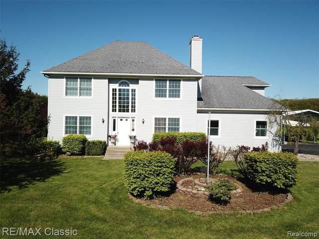 7884 Billmyer Hwy, Tecumseh, MI 49286 (MLS #2210034756) :: The BRAND Real Estate