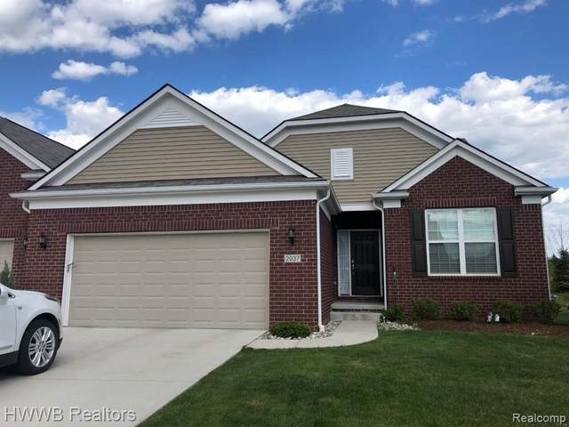 2037 Trimble St, Lake Orion, MI 48360 (MLS #2210035486) :: The BRAND Real Estate